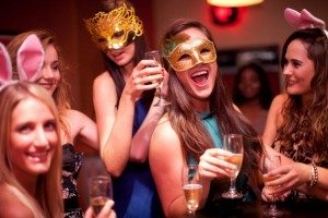 5 Best Vacation Spots for Single Women Who Love to Party