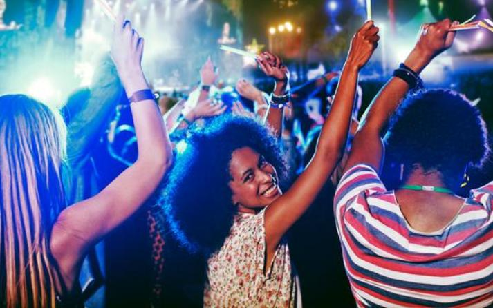 Why You Should Attend More Concerts Now That You're Single