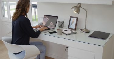 8 Tips on How to Keep Your Home Office Organized